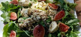 Salat mit Feigen & Ziegenkäse