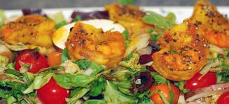 Salat-mit-Gambas-und-Currysauce