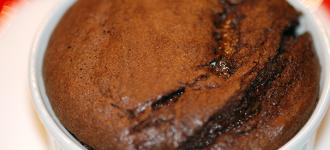 Schokoladenauflauf-halbflüssig