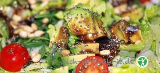 Avocado-auf-Salat-basisch