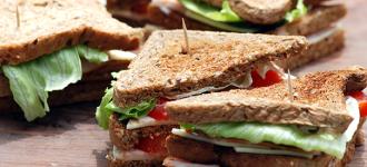 Käse-Schinken-Sandwiche