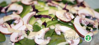 Gemüsesalat-mit-Avocado-basisch