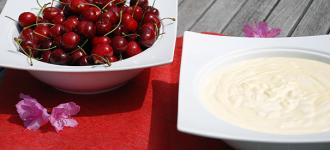 Puddingquark-mit-Kirschen