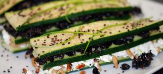Schicht-Snack-mit-Zucchini
